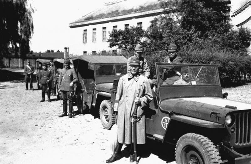 Эвакуация в тыл пленных японских генералов Квантунской армии советскими войсками. 1945 г.