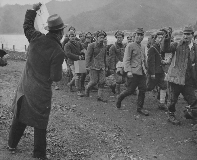 Репатриированные японские солдаты, возвращающиеся из СССР. 1946 г.