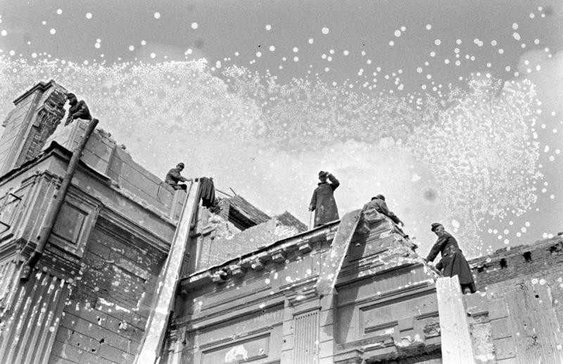 Немецкие военнопленные на восстановительных работах в Сталинграде. 1947 г.