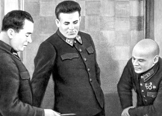 Командование Московского военного округа и Московской зоны обороны (слева направо): А. И. Кудряшов, П. А. Артемьев, К. Ф. Телегин.