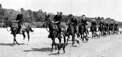 Конный патруль береговой охраны на прибрежной полосе. 1941 г.