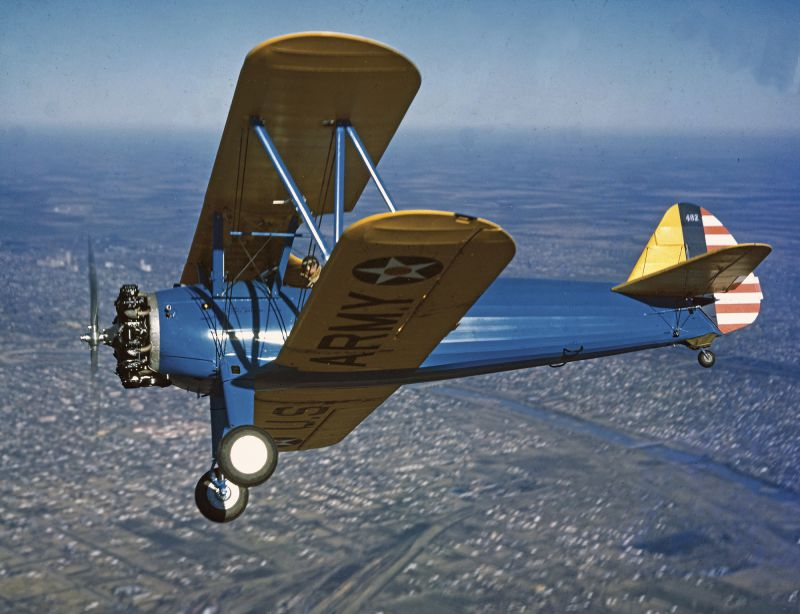 Учебно-тренировочный самолет-биплан Stearman PT-17 Kaydet, применяемый для начального обучения пилотирования. 1941 г.