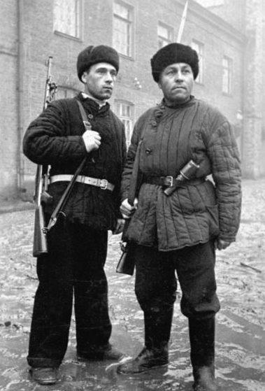 Московские рабочие-ополченцы.