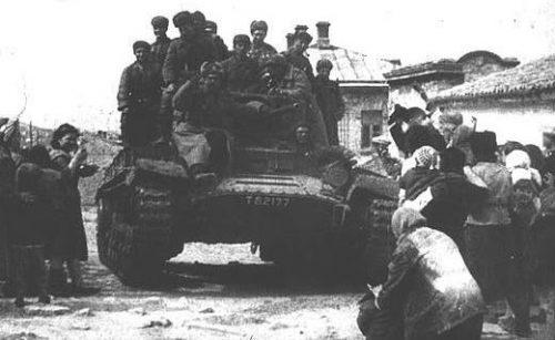 Советские войска занимают Феодосию. Апрель 1944 года.