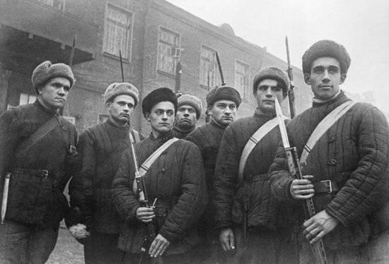 Московские рабочие-ополченцы у рубежей Москвы.