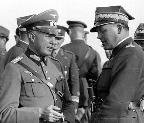 Два генерала из Польши и Германии во время польских военных маневров. Жешув, осень 1938 г.