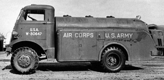 Топливозаправщик Autocar U-2044. 1940 г.