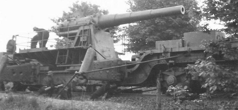 170-мм железнодорожная пушка в районе города Маастрихт на границе Франции и Нидерландов. Май 1940 г.