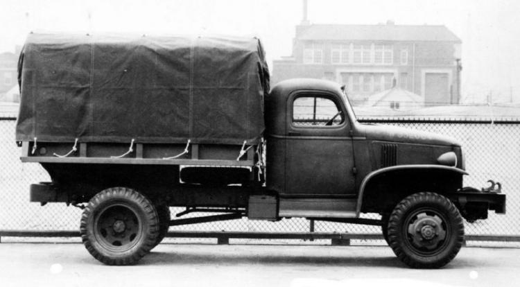 Бортовой грузовик G-7117 с цельнометаллической платформой, тентом и лебедкой. 1940 г.