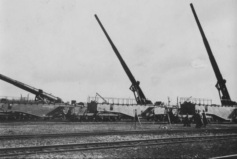 280-мм железнодорожные пушки 5К (Е) на огневой позиции. 1940 г.