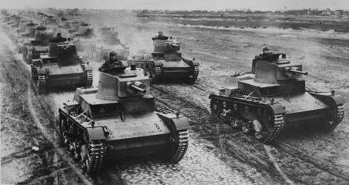 Легкие танки Войска Польского 7ТР на маневрах. 1939 г.