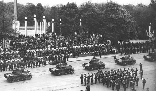 Парад в Варшаве. Май 1939 г.
