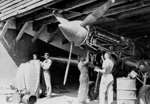 Техническое обслуживание P-40. 1941 г.