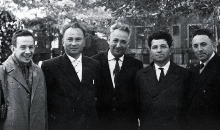 Александр Печерский и бывшие узники «Собибора» после войны.