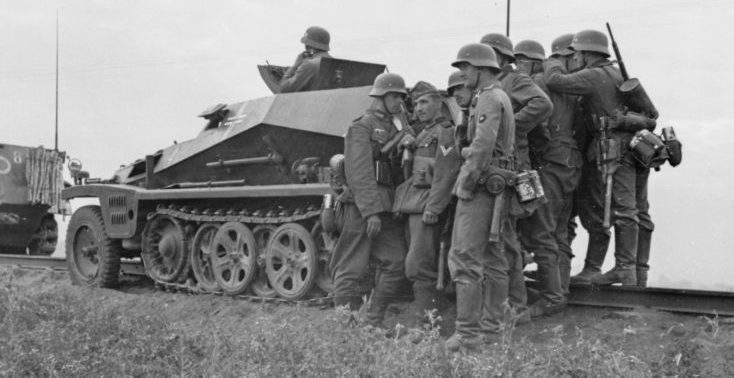 Бронемашина наблюдения Sd.Kfz. 253 на Восточном фронте. Июнь 1941 г.