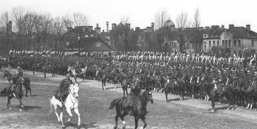 Польская кавалерия в Вильно. 1939 г.