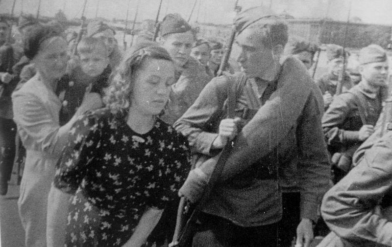 Проводы бойцов Ленинградского народного ополчения. Июль 1941 г.