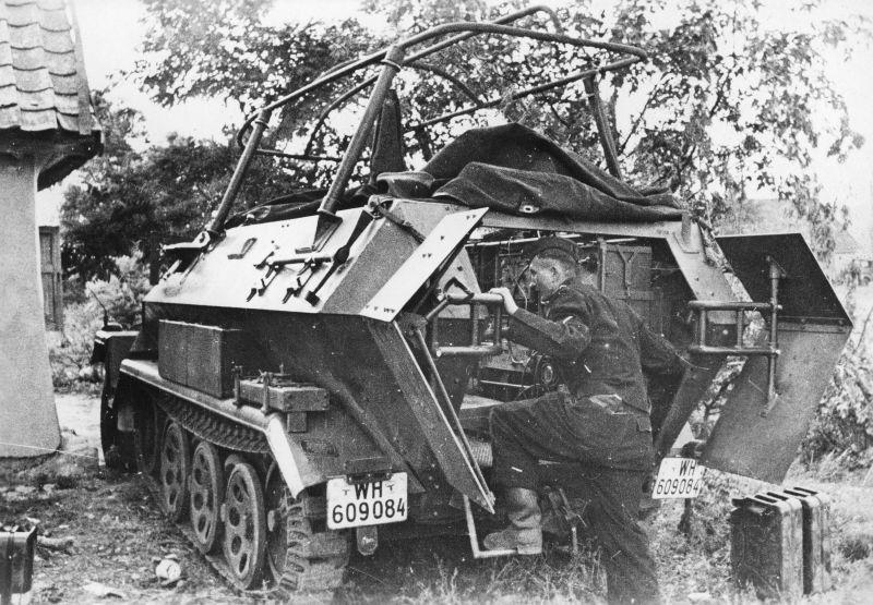 Командно-штабная бронемашина Sd. Kfz. 251/6. Октябрь 1941 г.
