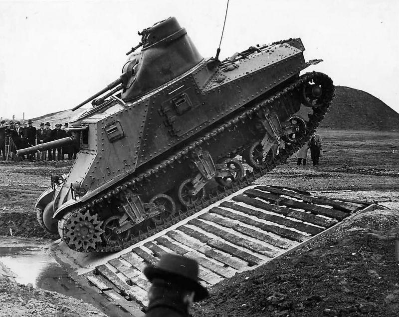 Прототип среднего танка М3 «Ли» на испытаниях на Абердинском полигоне. 1941 г.