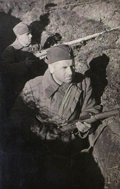 Кирилл Фёдорович Огородников - советский астроном -участник Народного ополчения на Ленинградском фронте. 1941 г.