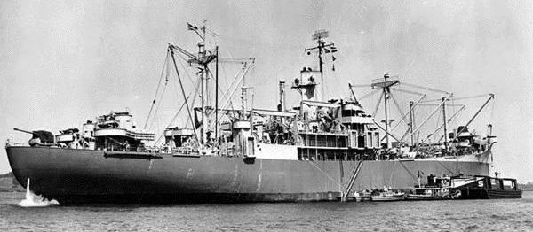 «Callaway» с экипажем береговой охраны в Нормандии. 1944 г.