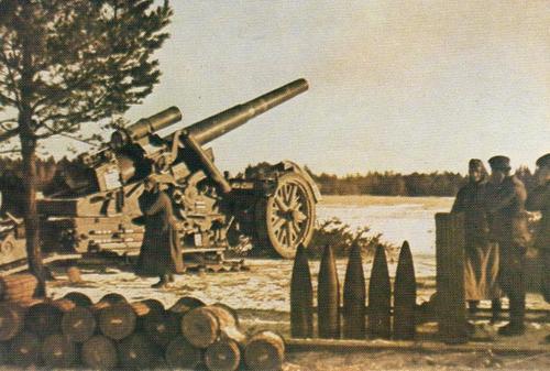 210-мм орудие Mörser на позиции у Москвы-реки. Зима 1941 г.