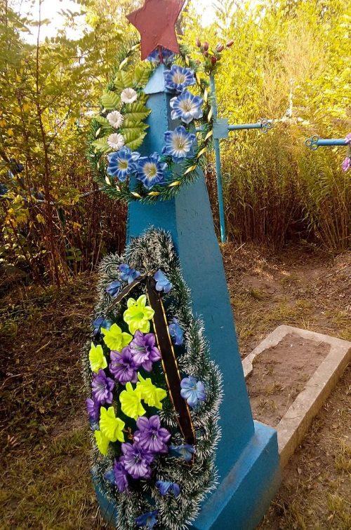 п. Куликовка. Братская могила советских воинов, погибших в боях за село и умерших от ран в военном госпитале.