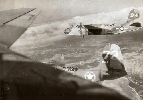 Дугласы A-20 «Havoc» над целью в Южной Италии. 1943 г.