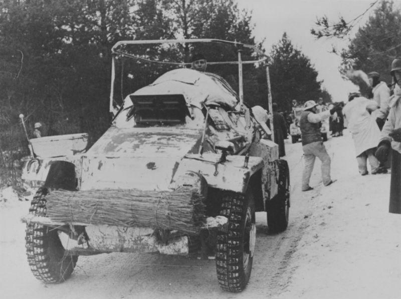 Легкий бронеавтомобиль-радиомашина Sd.Kfz. 261 на Восточном фронте. 1941 г.