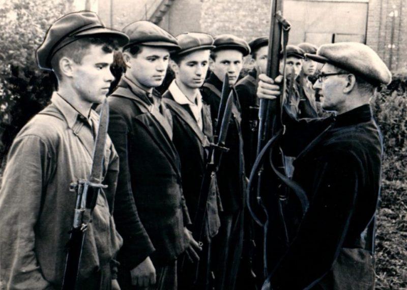 Молодые ополченцы Ленинграда. Август 1941 г.
