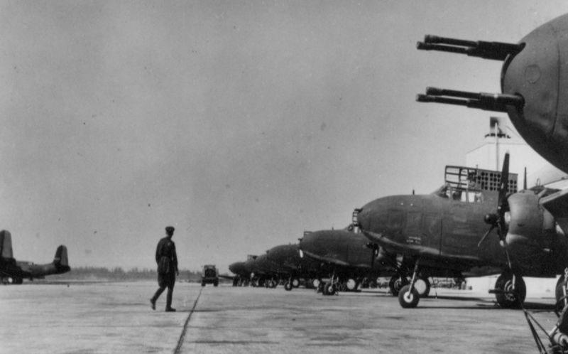 Самолеты Дуглас A-20 «Бостон» на американском аэродроме перед отправкой в СССР. 1943 г.