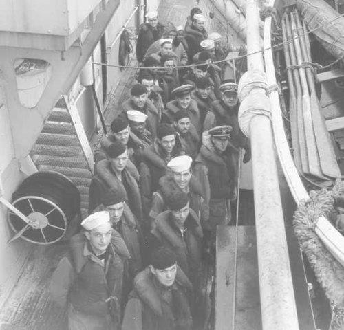 Экипаж береговой охраны на борту «Escanaba». 1944 г.