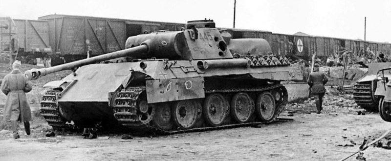Танк «Пантера» Pz.Kpfw. V Ausf. D, подбитый на Курской дуге. Август 1943 г.