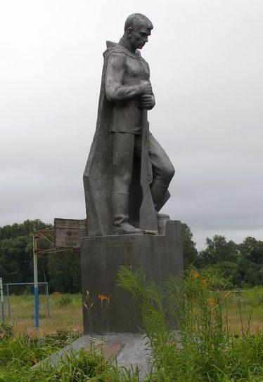с. Лукашовка Черниговского р-на. Памятник 160 погибшим односельчанам.