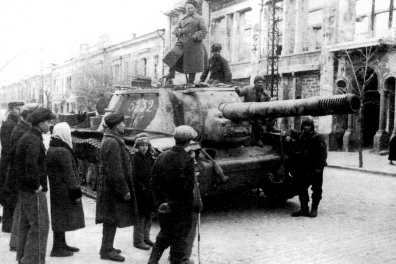 Красная Армия вошла в Симферополь.