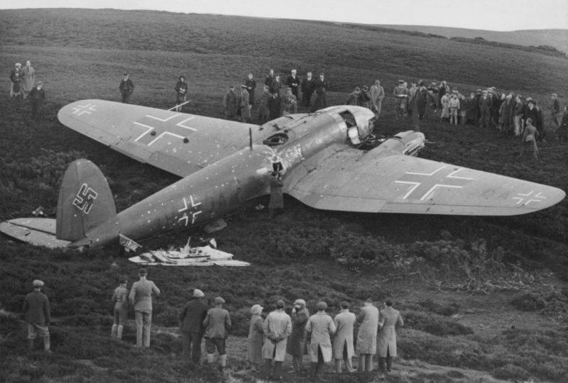 Первый немецкий бомбардировщик, сбитый над Великобританией. Октябрь 1939 г.