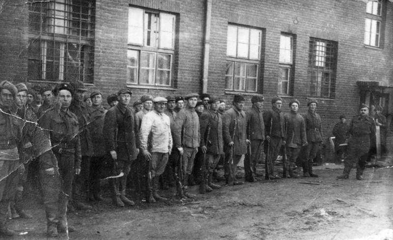 Первые чехословацкие добровольцы в Бузулуке.