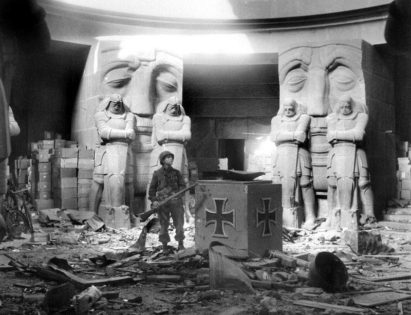 Внутренний зал памятника «Битве народов».