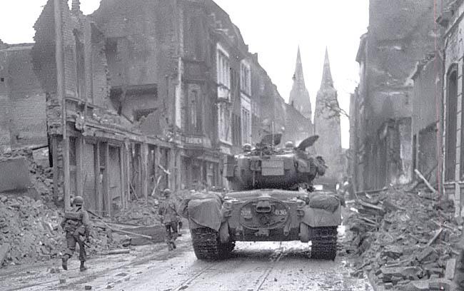 Американский танк М26 «Першинг» в Кёльне.