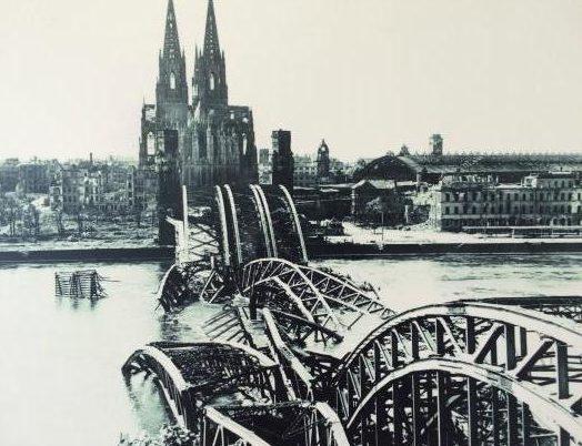 Разрушенный Кёльнский мост.