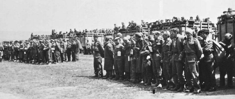 Пленные французские солдаты.
