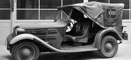 Легковой автомобиль «Cabrio-Limousine BMW-309» на армейской службе. 1938 г.