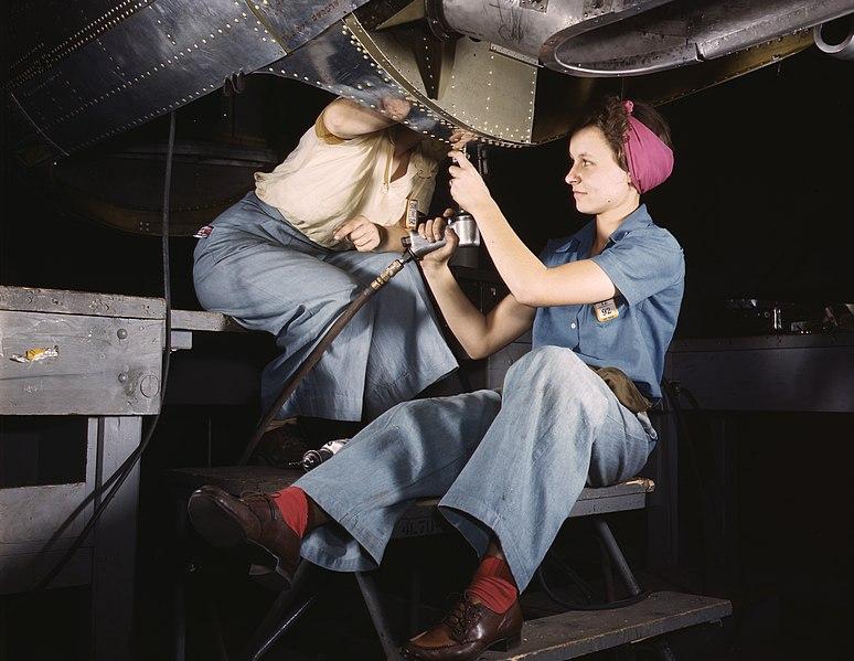Работницы авиазавода. Лонг-Бич, Калифорния, 1942 г.