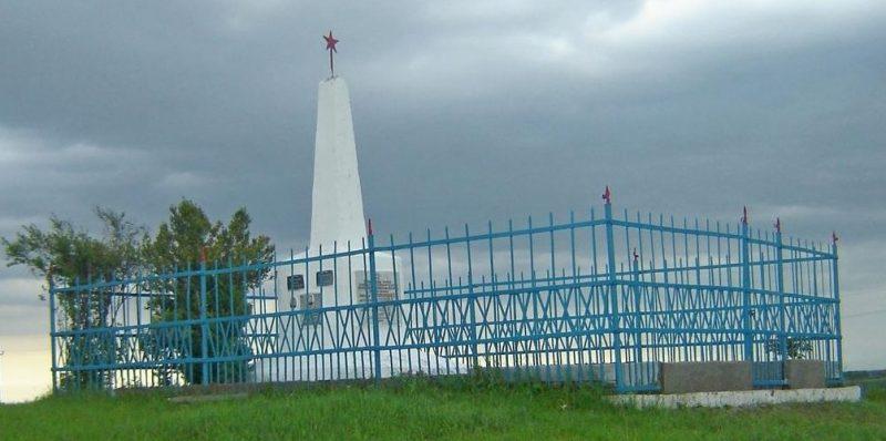 ст-ца. Марьинская Кировского р-на. Братская могила, в которой похоронено 39 советских воинов, погибших в годы войны.