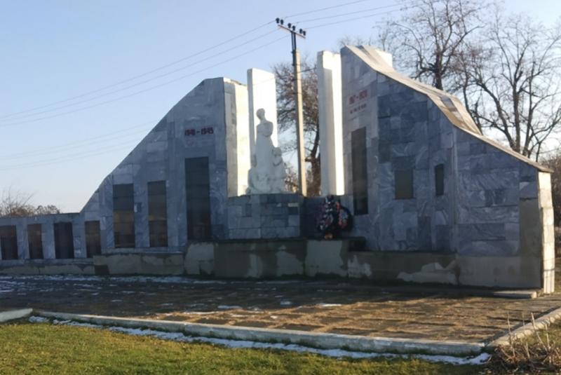ст-ца. Марьинская Кировского р-на. Мемориал погибшим воинам.
