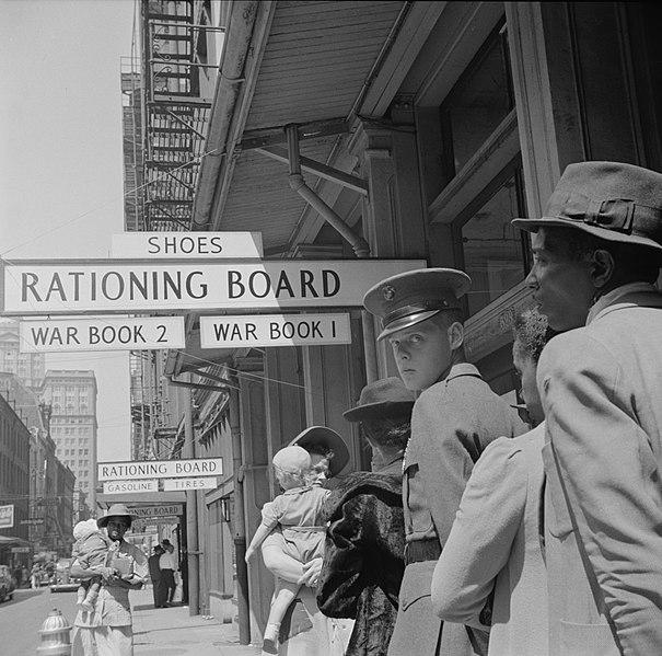 Постановка на учет в отдел нормирования. Новый Орлеан, 1943 г.