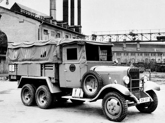 Автомобиль «Mercedes-Benz G-3a» в Чехословакии. 1938 г.