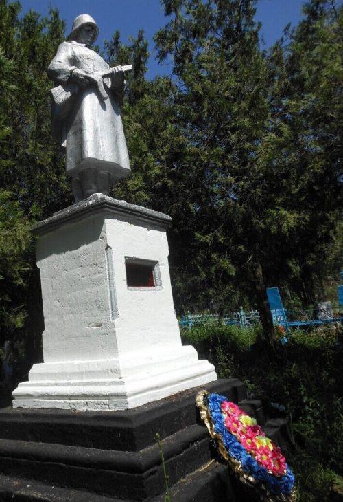 с. Северное Александровского р-на. Памятник погибшим советским воинам.