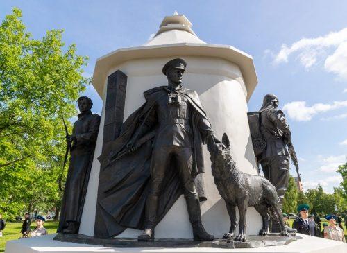 г. Псков. Памятник пограничникам «Стражам границы», установленный в 2019 году.