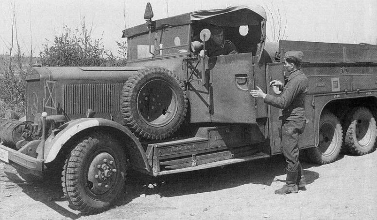 Грузовик «Mercedes-Benz LG-63» (LG-3000) в Польше. 1939 г.